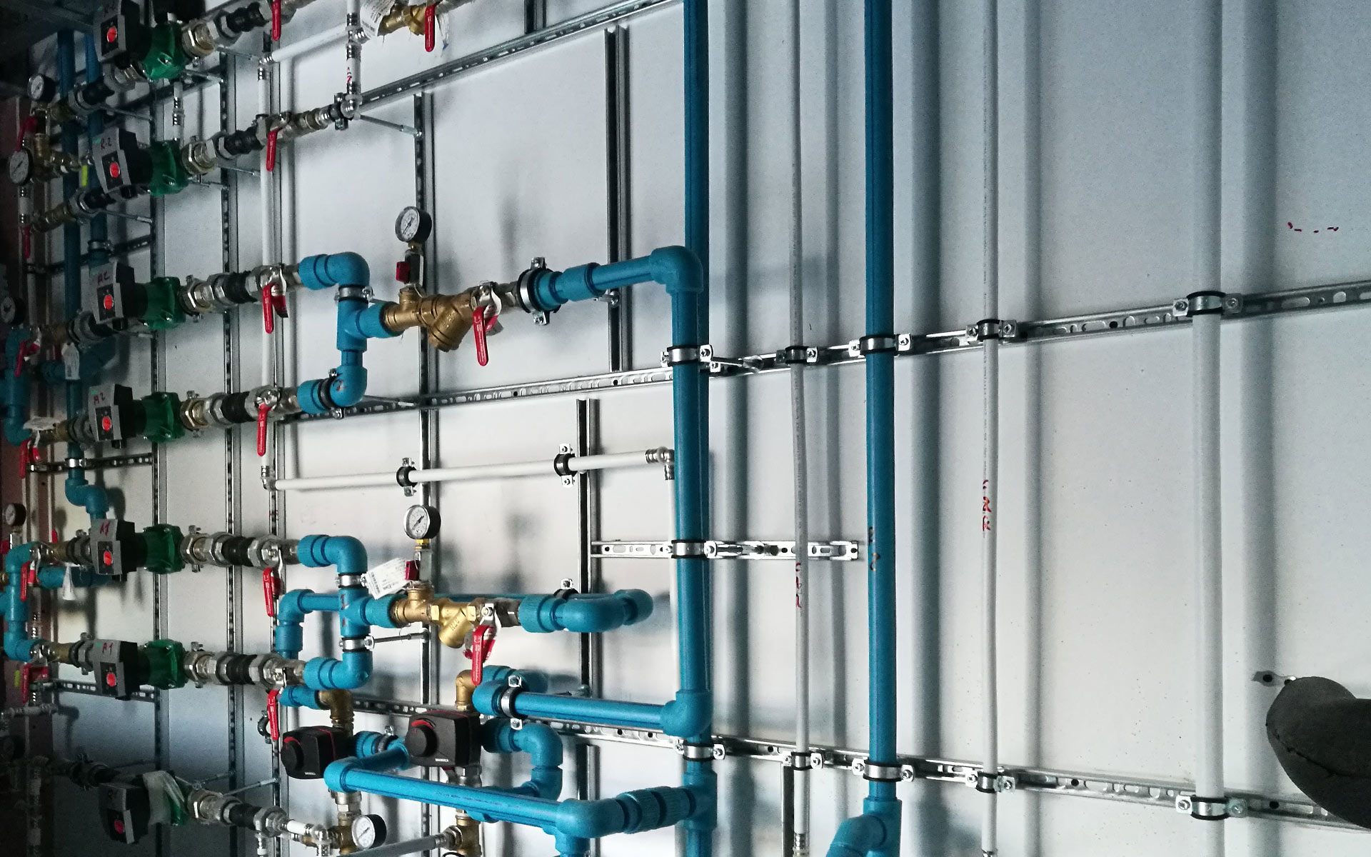 abatec-instalaciones-obras-realizadas-granja-combustible-aeropuerto-dublin-01